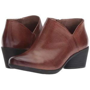 Dansko Raina Ankle Boot, 39
